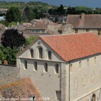 Cluny Les écuries - Écuries Saint-Hugues