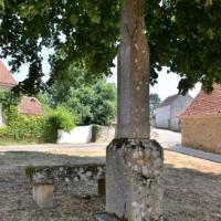 Croix et pierre des morts de Beuvron