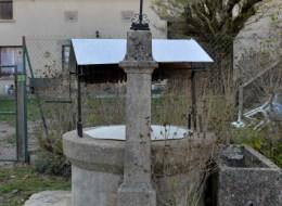 Puits du village de Cropigny