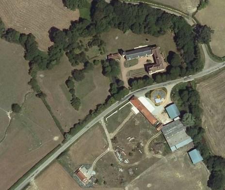 Cette image a un attribut alt vide; le nom du fichier est google-maps-Montaron.jpg