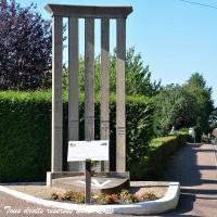 Stèle aux morts de Cercy la Tour