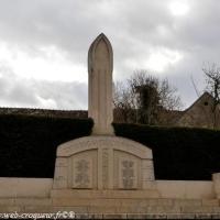 Le Monument aux morts de Narcy