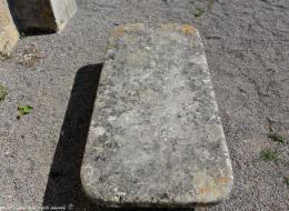 Pierre des morts de Saint Parize le Châtel Nièvre Passion
