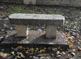 Pierre des morts de Dompierre sur Héry