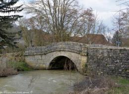 Pont de Corvol l'Orgueilleux sur le Sauzay