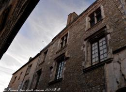 Maison ancienne de Saint Pierre Le Moutier