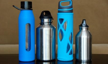 La publicité nomade et écologique avec les bouteilles plastiques réutilisables