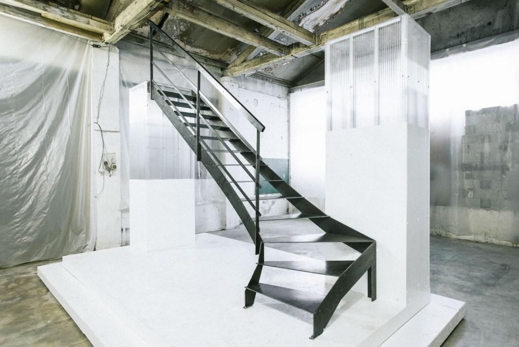 escalier design en métal, à assembler soi-même