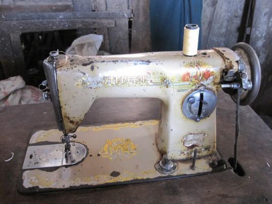 Nähmaschine einer Schneiderin