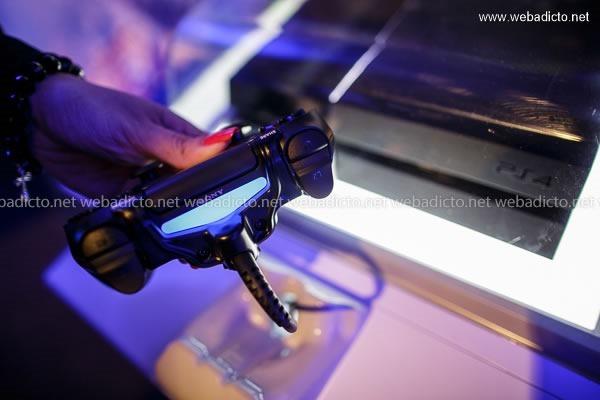 lanzamiento playstation 4 peru-9633
