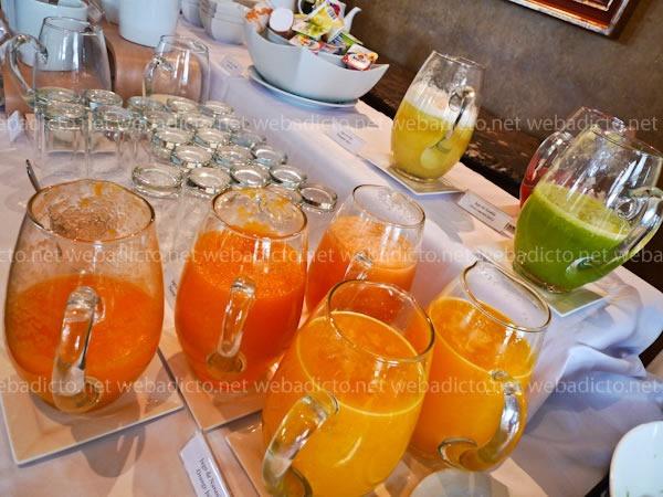 perroquet-buffet-desayuno-14