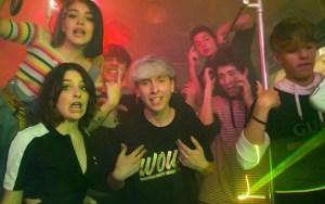 Alessandro Montesi è uscita la sua nuova canzone, WOW! – nel videoclip anche i Valespo, ecco il testo