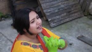 Dina Bangladeshina: chi è questa nuova cantante trash di Youtube? Ecco la sua prima canzone Cartina