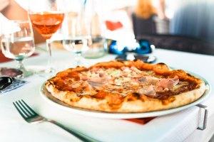 Round pizza pie