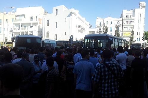 La circulation au niveau du Passage, grève des agents de la TRANSTU, 10 octobre 2012 - photo (webdo.tn)