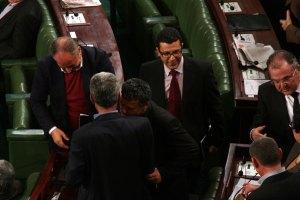 Mongi Rahoui félicité après le vote pour la présidence de la commission des finances à l'ARP | Khaled Nasraoui