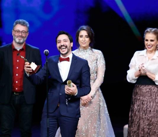 CIFF 2019 Mehdi Barsaoui recevant le prix Meilleur Film Arabe