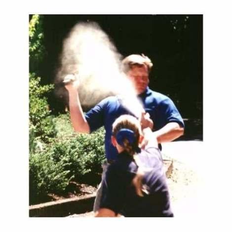 Gas Pimienta Lacrimogeno Spray Con Alcance De 3.6m en Web Electro