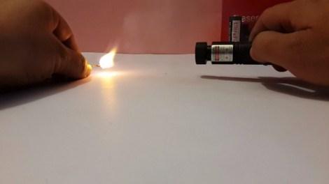 Láser Verde Recargable Multipuntos Prende Cerillos + 2 Pilas