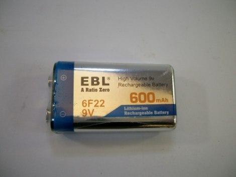 4 Pilas Recargables De 9v 600 Mah Litium + 1 Cargador Doble en Web Electro