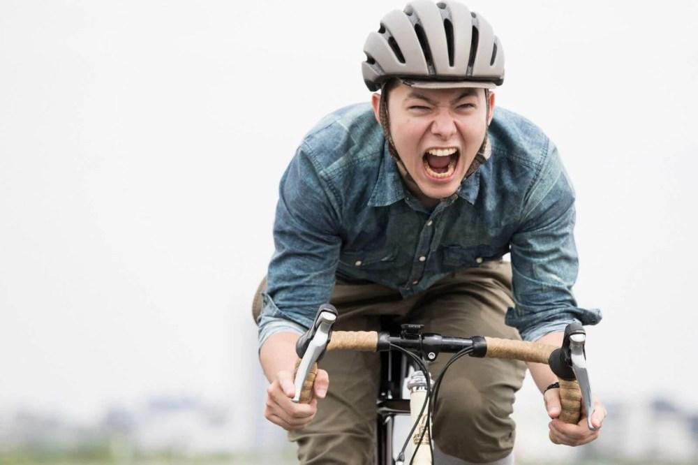 フィギュア発売日に自転車で秋葉原に急ぐ