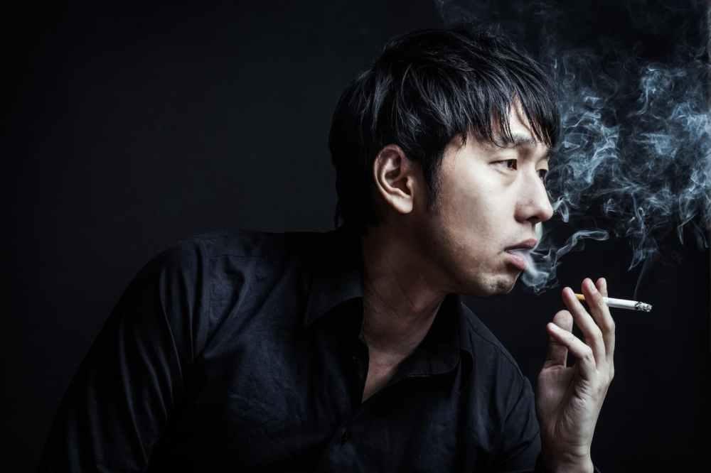 「あんた、イカサマしただろ?」と煙を吐く昭和の雀士