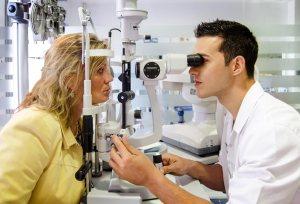 ¿Qué se estudia en un grado en Óptica y Optometría? ¿Qué voy a estudiar en la carrera de óptica y optometría?