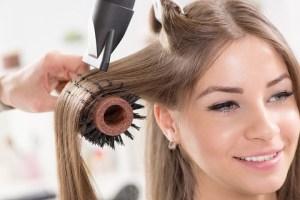 diferencia entre un técnico en peluquería y cosmética capilar y un ayudante de peluquería