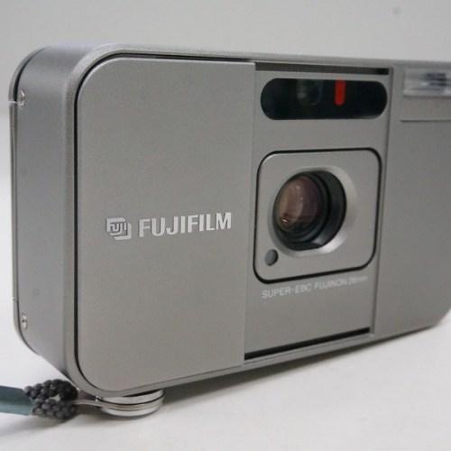 フジフィルムのコンパクトカメラ「CARDIA mini TIARA」買取実績