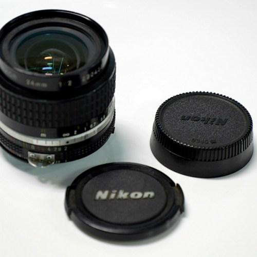 nikon レンズNIKKOR 24mm 1:2買取実績