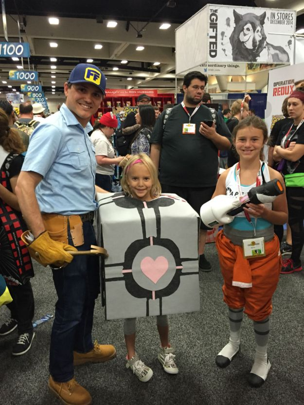 Fix-It Felix, Jr. at SDCC 2015 with Companion Cube and Chell