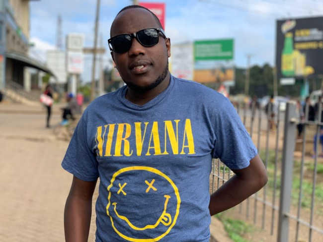 Chris Muniu heading to Maasai mara with the iPhone XS Max