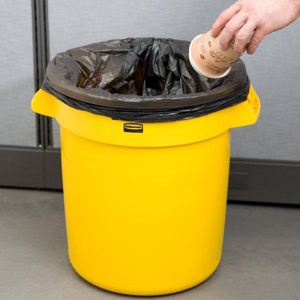 Rubbermaid Brute Fg261000yel Yellow 10 Gallon Trash