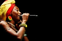 fatoumata-diawara-wt-christophe-harter-africajarc-2013