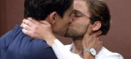 Grey's-Anatomy-saison-15-Un-acteur-de-la-série-fait-son-coming-out-en-même-temps-que-son-personnage-big