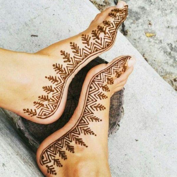 16.Border Leg Henna Design