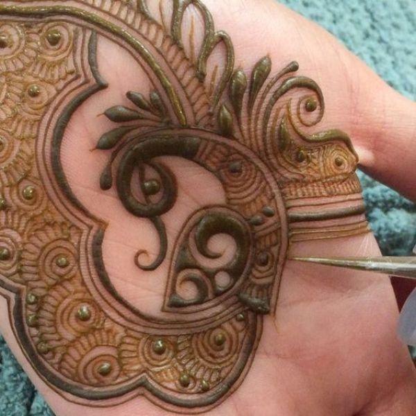 36.Stunning peacock Mehndi Design