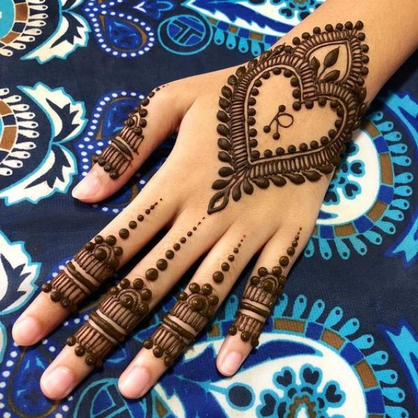 22.Heart with R Mehndi design