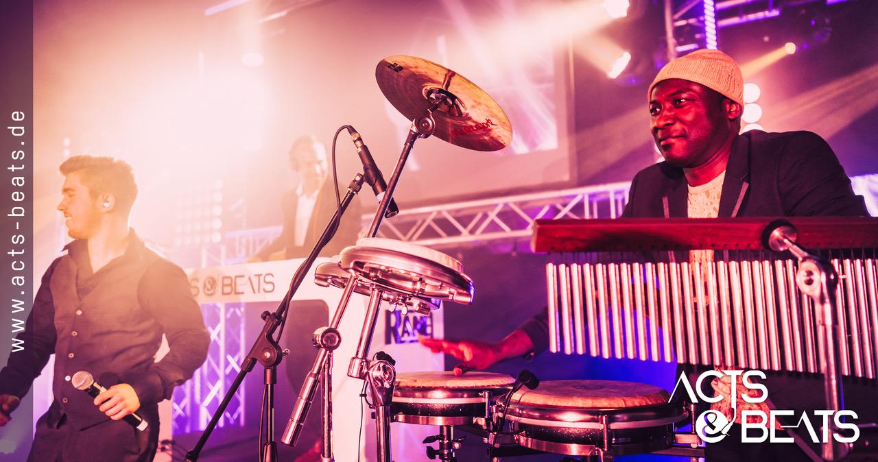 ACTS  BEATS  DJ Plus Live Partyband  Weddchecker