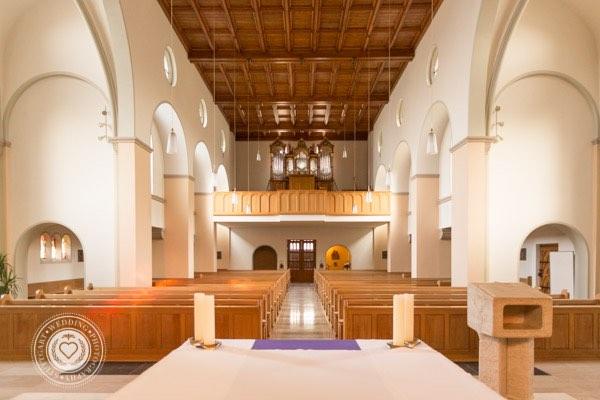 Schoene Kirche in Stuttgart Katholisch (1 von 4)