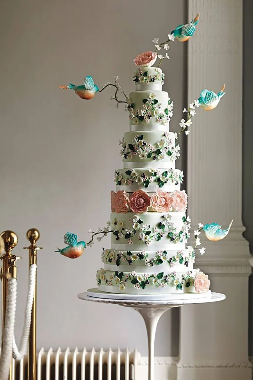 22 Wedding Cakes Fit for a Fairy Tale  CHWV