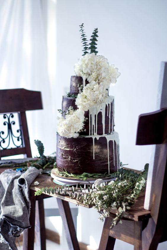 Drip Wedding Cakes  CHWV