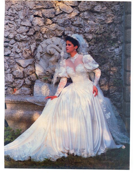 Vintage Wedding Dresses  CHWV