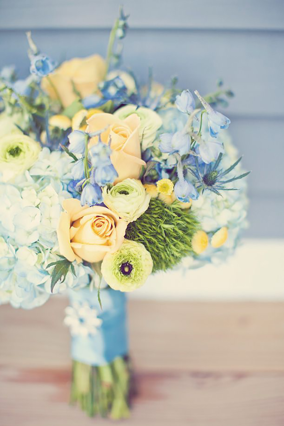 pastel yellow wedding flowers