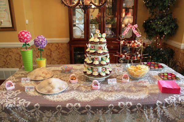 Decoration with food stuff