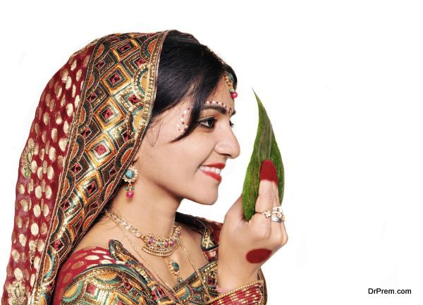 Side pose of a Bengali Indian bride on her wedding.