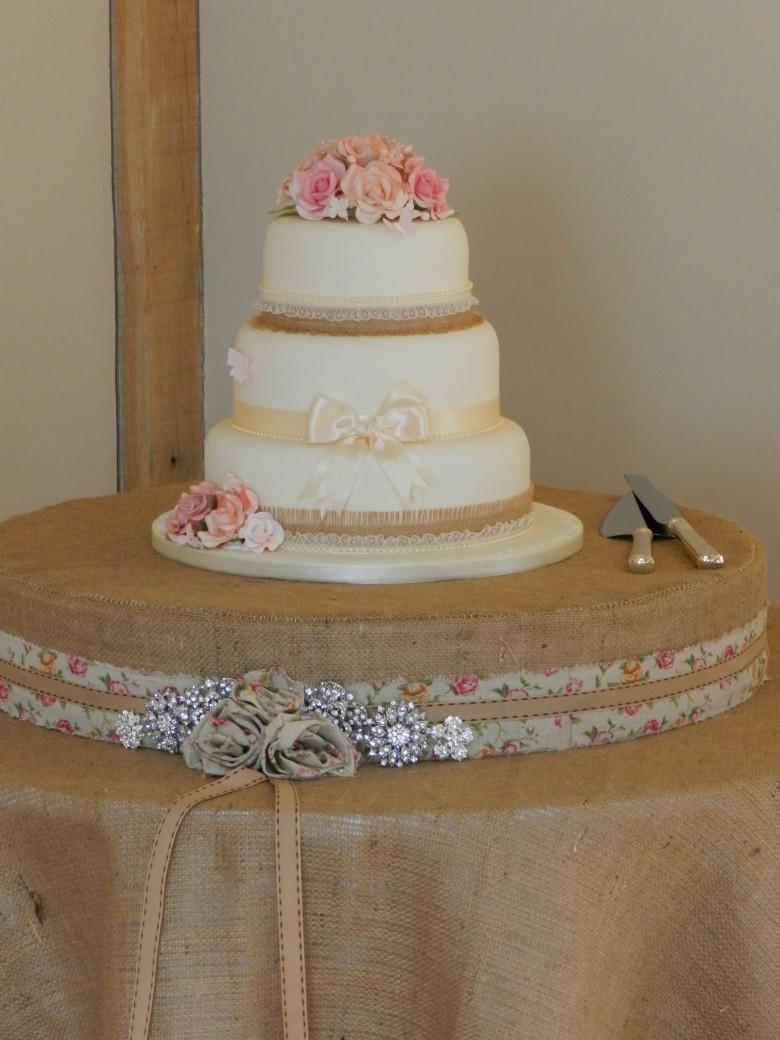 HESSIAN BURLAP CAKE TABLE  Wedding Day Hire