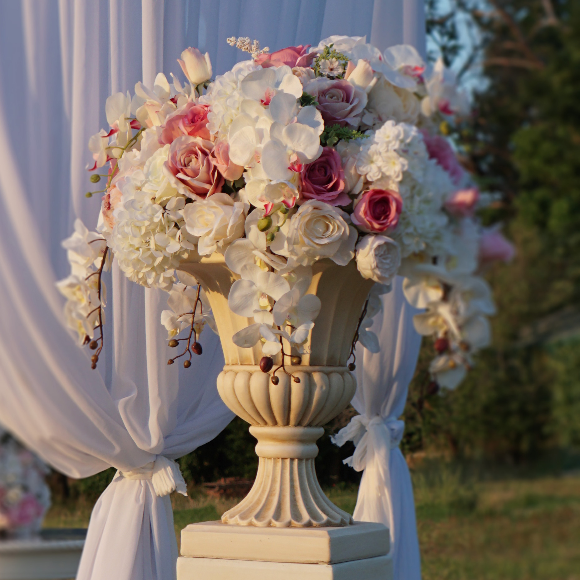 Urn And Pedestal Hire