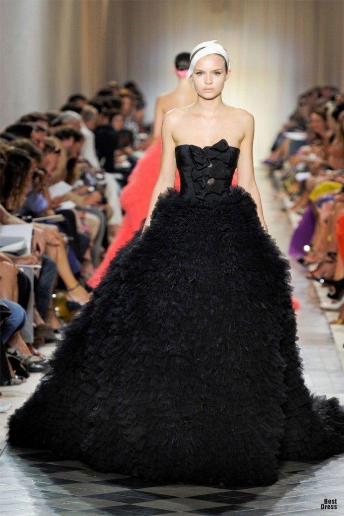 Colored Wedding DressesReady to Make a Powerful Fashion