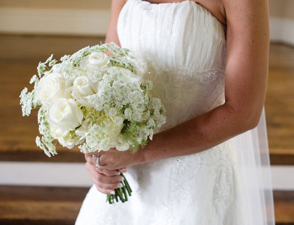 10 White Wedding Flowers  WeddingElation